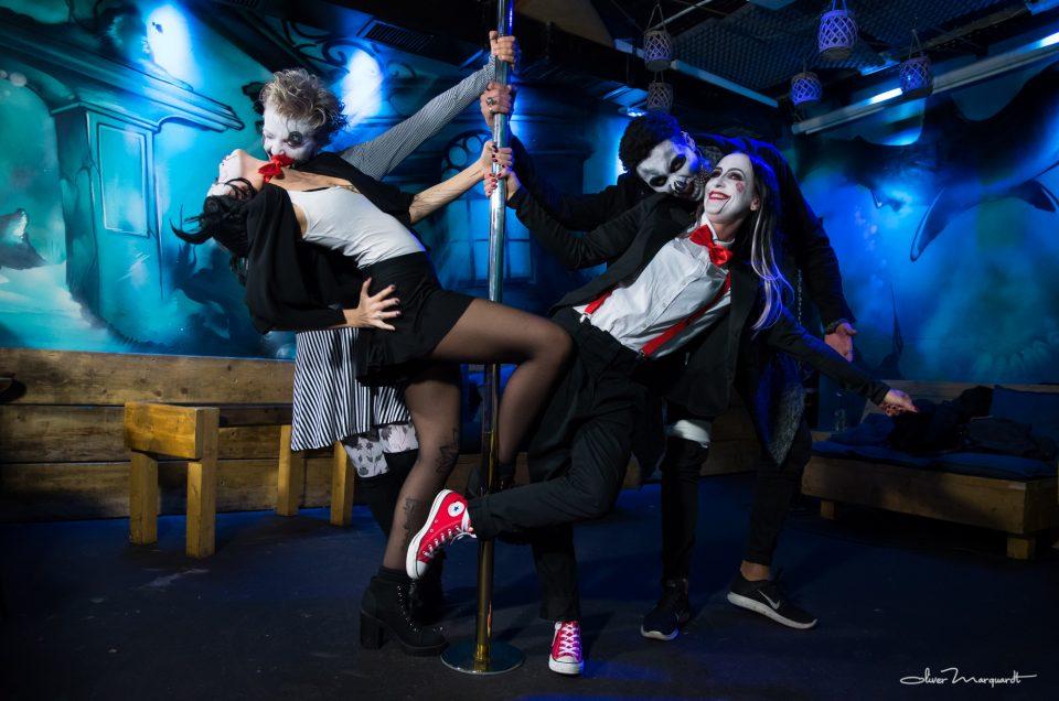 Halloween Pole Party, Chapmans